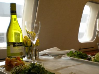 Catering is invoiced separately following each private jet or turboprop charter on aircraft such as